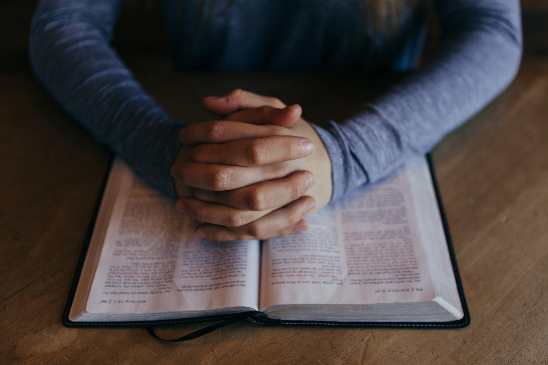 Bibelteilen dienstags 19 Uhr
